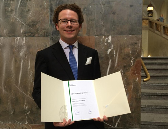 Award for Dr. Leonhard Möckl